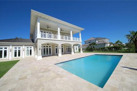 6 bedroom detached house  - Villa Mimosa, Ocean Club Estates, Paradise Island