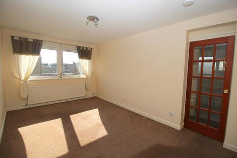 2 bedroom flat to rent - Clark Place, Trinity, Edinburgh, EH5 3BQ