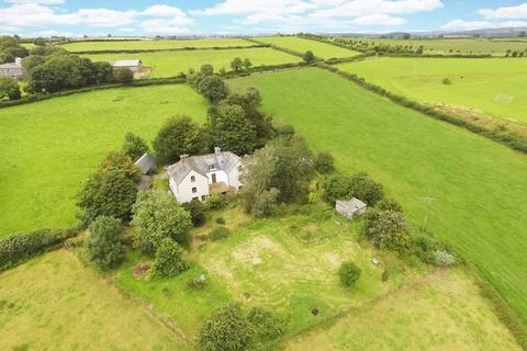 8 bedroom detached house for sale - No immediate neighbours!