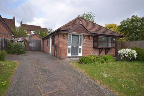 2 bedroom detached bungalow for sale - Mercer Avenue, Aston Lodge Park, Stone