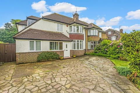 4 bedroom semi-detached house for sale - Shelvers Way, Tadworth