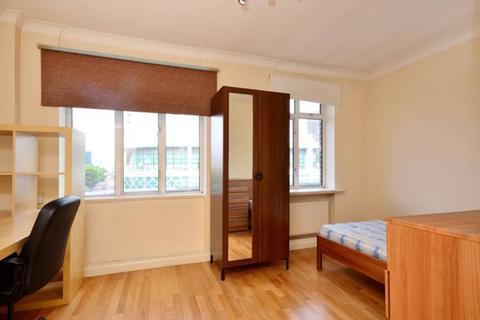 Studio to rent - Warren Court, Euston Road, Fitzrovia, NW1