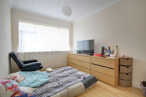 2 bedroom bungalow for sale - Franklin Crescent, Northampton