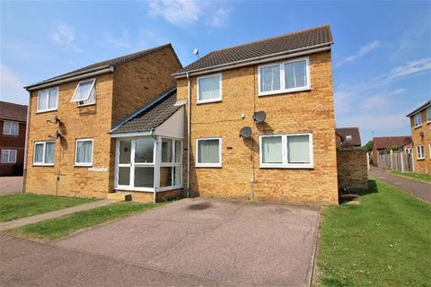 1 bedroom flat for sale - Ferndale Close, Great Clacton, Clacton on Sea