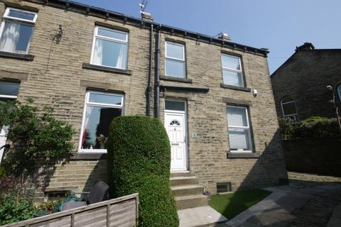 3 bedroom end of terrace house to rent - Laurel Bank Wyke Bradford