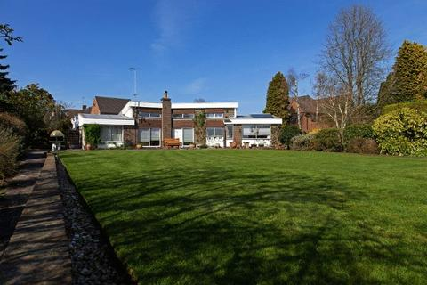 4 bedroom property for sale - Manor Drive, Cuckfield, West Sussex