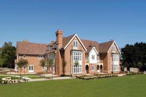 2 bedroom flat for sale - Hall House, Moor Hill, Hawkhurst, Kent, TN18 4QB