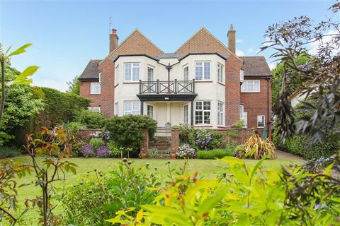 5 bedroom detached house for sale - Shirley Road, Hove