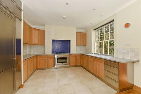 5 bedroom semi-detached house to rent - Trinity Place, Windsor, Berkshire, SL4