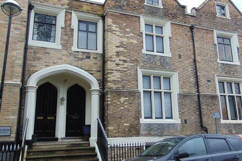 5 bedroom terraced house to rent - Brook Street, Stoke-On-Trent