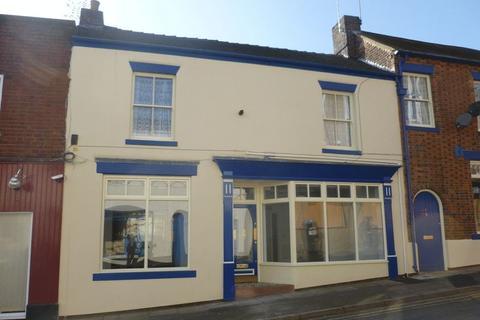Shop to rent - William Clowes Street, Burslem, Stoke-On-Trent
