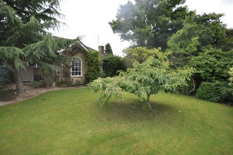 3 bedroom bungalow to rent - New Barn Lane, Cheltenham