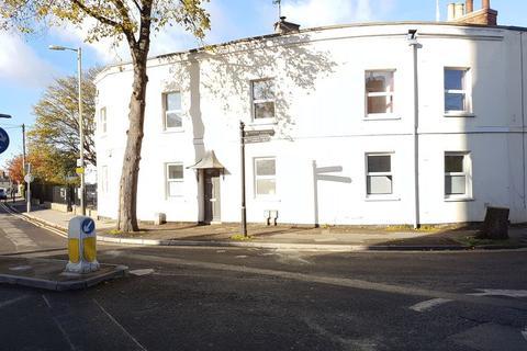9 bedroom house share to rent - Ambrose Street, Cheltenham