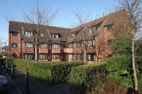 2 bedroom flat to rent - Chapman Way, Cheltenham