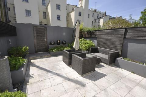 2 bedroom terraced house to rent - Little Bayshill Terrace, Cheltenham