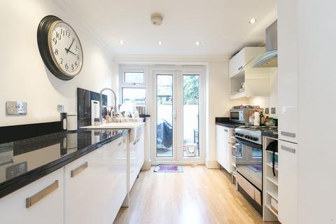 2 bedroom apartment to rent - Camden, London