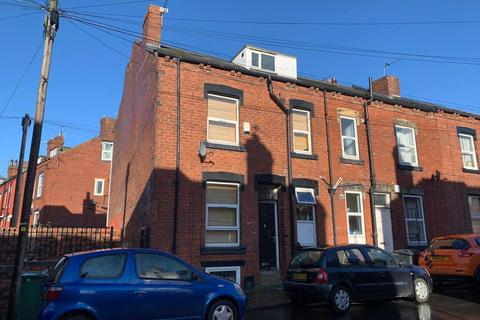 4 bedroom house share to rent - Harold Walk, LS6, Burley