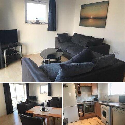 2 bedroom flat to rent - Azalea House, Feltham