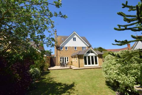 5 bedroom detached house for sale - Waterson Vale, Chelmsford, CM2 9GG