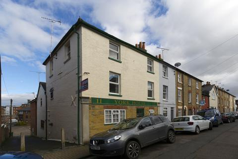 6 bedroom end of terrace house for sale - York Street