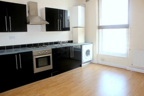 2 bedroom flat to rent - Lausanne Road,  Nunhead, SE15