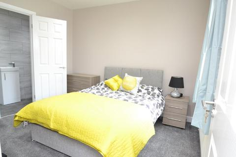 1 bedroom house share to rent - Leeds Old Road, Bradford