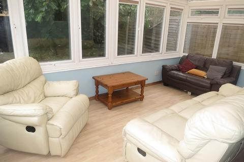 5 bedroom detached house to rent - Shelbourne Road, Charminster, Bournemouth