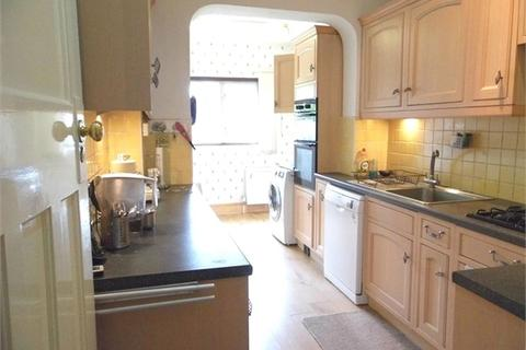 3 bedroom semi-detached house to rent - The Avenue, PINNER, Middlesex