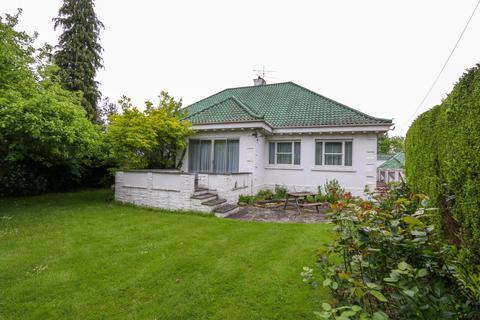 3 bedroom detached bungalow to rent - Ducks Hill Road, Northwood HA6