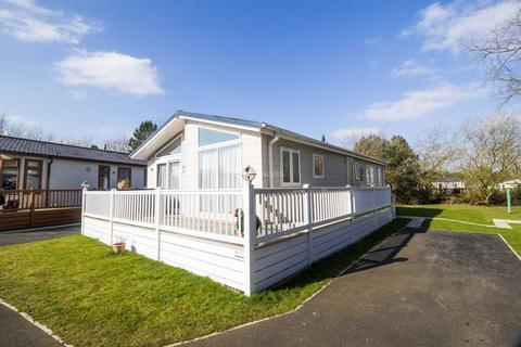 2 bedroom lodge for sale - Church View. Corton Road, Lowestoft