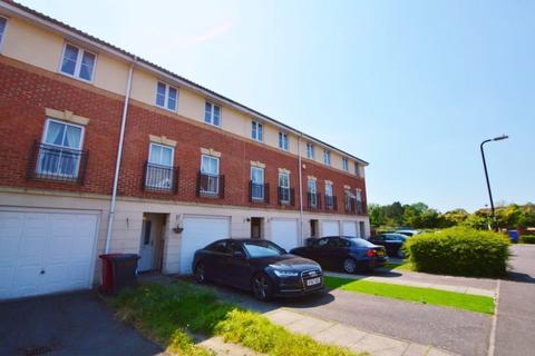 3 bedroom terraced house to rent - Scholars Walk, Langley, SL3