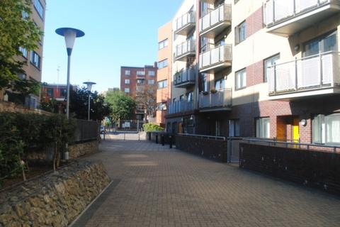 3 bedroom apartment to rent - Oakleigh Court, Murray Groves, London, N1