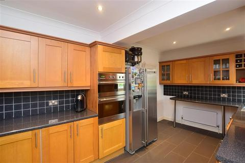 6 bedroom semi-detached house for sale - Chatham Road, Maidstone, Kent