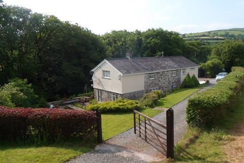 3 bedroom detached house for sale - Gwynfe, Llangadog, Carmarthenshire.