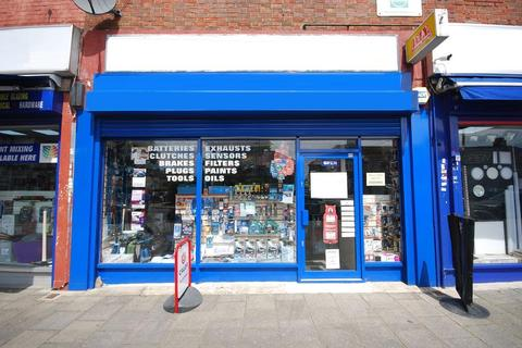 Shop to rent - BILTON ROAD, PERIVALE, GREENFORD, UB6 7DS