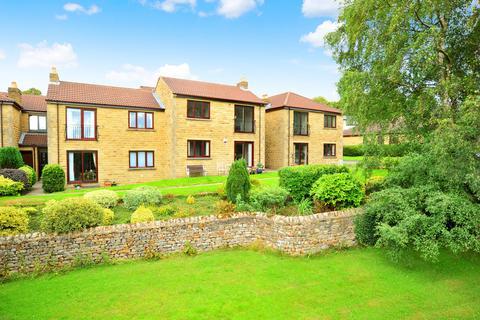 2 bedroom apartment - Harlow Grange Park, Harrogate
