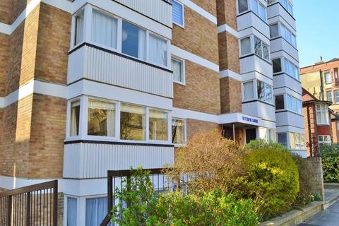 2 bedroom flat to rent - Third Avenue, HOVE, BN3