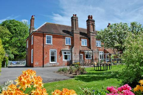 4 bedroom manor house for sale - Sway Road, Lymington, SO41