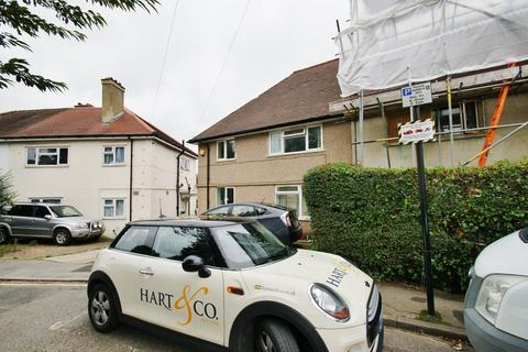 4 bedroom semi-detached house to rent - Taylors Green, London