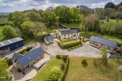 6 bedroom country house for sale - Llawhaden