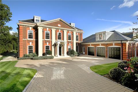 6 bedroom detached house for sale - Stokesheath Road, Oxshott, Surrey, KT22