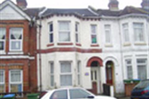 8 bedroom property to rent - Tennyson Road, Portswood, Southmpton, SO17