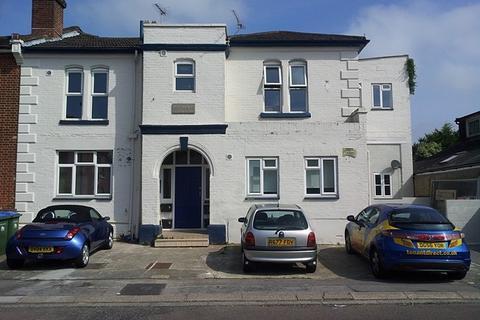 Property to rent - Avenue Road, Southampton, SO14