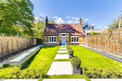4 bedroom semi-detached house for sale - Margravine Gardens, Barons Court, London, W6