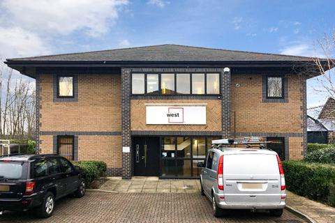 Office to rent - Grove Park Court, Harrogate, North Yorkshire