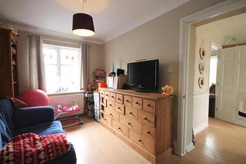 3 bedroom semi-detached house to rent - Foss Walk, Nether Poppleton, York, YO26 6RF