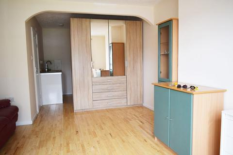 1 bedroom house share to rent - Bancroft Close Cambridge