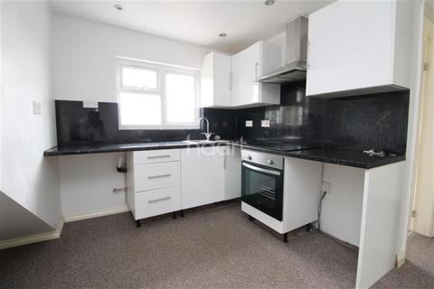 2 bedroom flat to rent - Aylestone Road