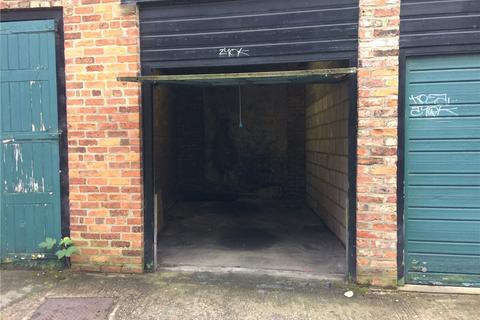 House to rent - Garage 2, Trinity Lane, York, YO1