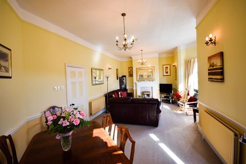 3 bedroom apartment for sale - Station Street, Saltburn TS12